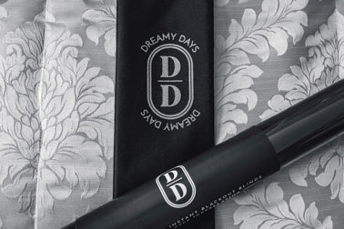 Dreamy days black out sheets comes in a beautiful bag that can be taken anywhere.
